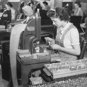 Master Lock dedicates production to support World War II