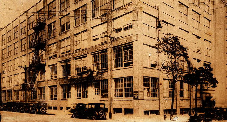 Master Lock-Gebäude 1930
